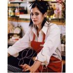 Lizzy Caplan Autograph Signed 10x8 Photo (4085)