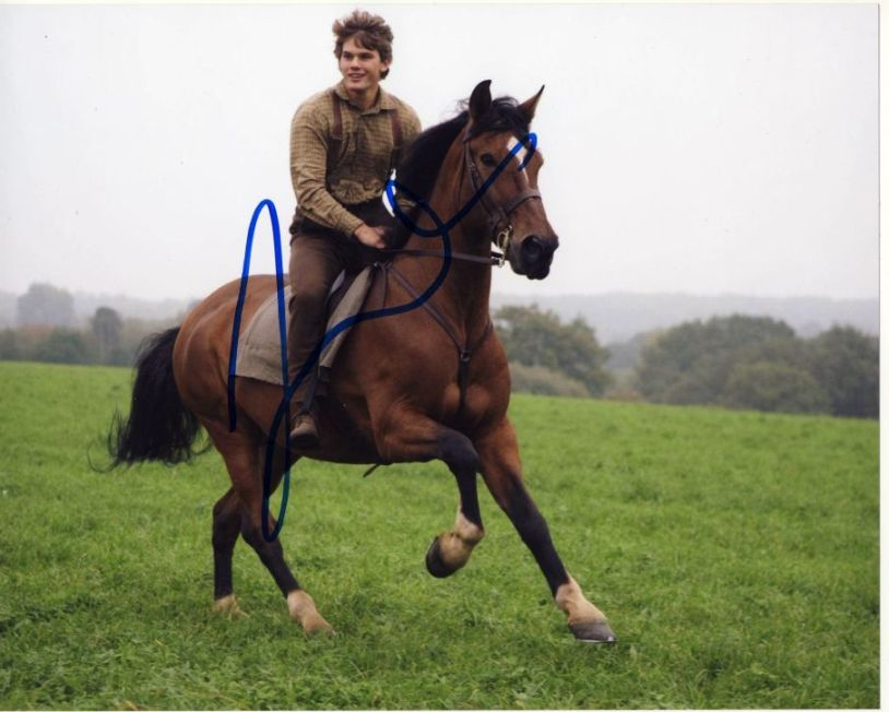 Jeremy Irvine Autograph Signed 8x10 Photo (3035)